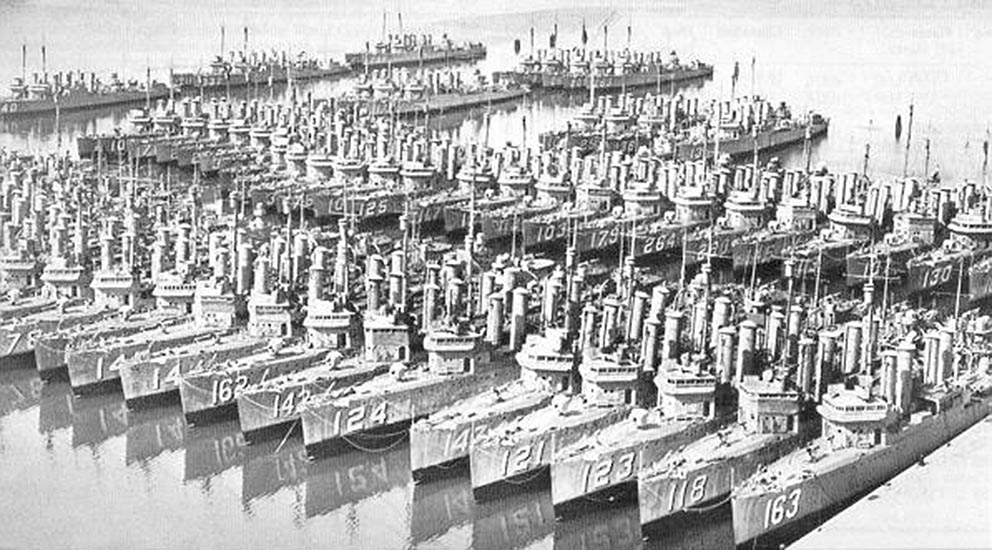 Click image for larger version.  Name:1.1. 2 2 3 1 Wickes class destroyers, mothballed after ww1.jpg Views:1 Size:166.6 KB ID:3678779