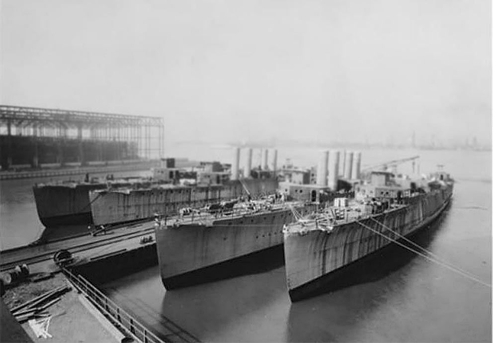 Click image for larger version.  Name:1.1. 2 2 3 2 1 Wickes-class destroyers under construction.JPG Views:1 Size:74.2 KB ID:3678785