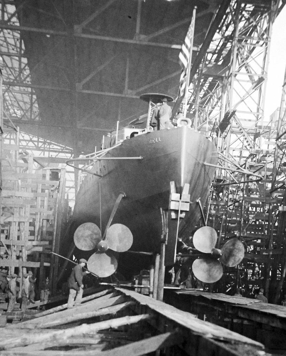 Click image for larger version.  Name:1.1. 2 2 3 2 Wickes class destroyer, USS Bell (DD 95), launching, 1918.jpg Views:1 Size:215.3 KB ID:3678795