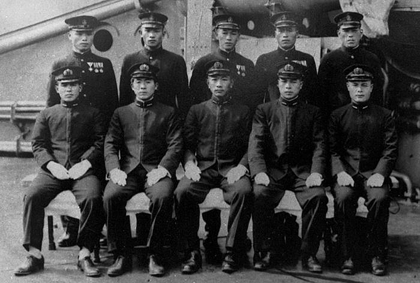 Click image for larger version.  Name:1.1. 2 2 4 32 Midget Submarine Crews for Hawaii.jpg Views:1 Size:266.8 KB ID:3680323