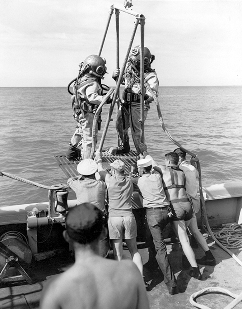 Click image for larger version.  Name:1.1. 2 2 4 33 HA-17 1 Divers from the USS Current (ARS-22), prepare to enter the water for salva.jpg Views:1 Size:354.0 KB ID:3680333