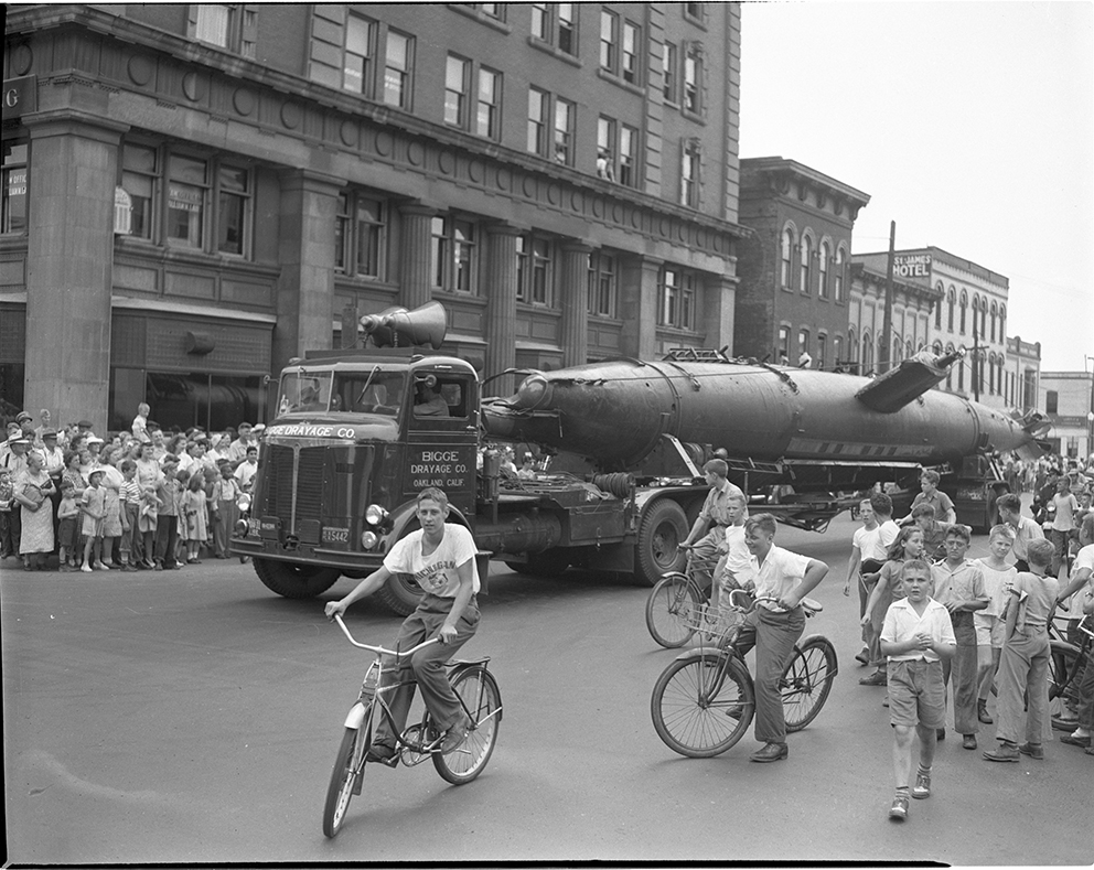 Click image for larger version.  Name:1.1. 2 2 4 34 1 HA-19 in Ann Arbor MI 17 July 1943.jpg Views:1 Size:442.6 KB ID:3681219