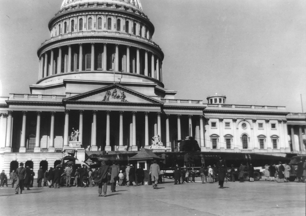 Click image for larger version.  Name:1.1. 2 2 4 34 1 HA-19 in Washington, visit of the U.S. Capitol on April 3, 1943.jpg Views:1 Size:331.6 KB ID:3681231