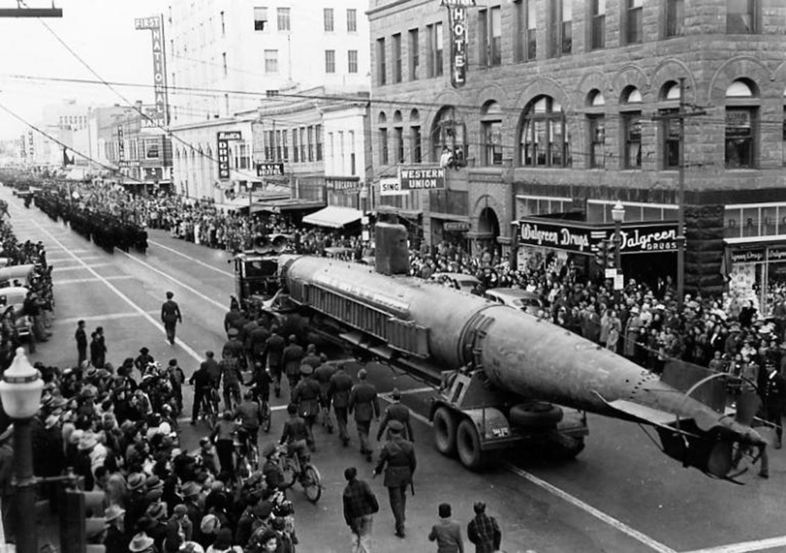 Click image for larger version.  Name:1.1. 2 2 4 34 3 HA-19 paraded down Albuquerque NM Central Avenue on Jan. 14, 1943, during a stop.jpg Views:1 Size:168.1 KB ID:3681639