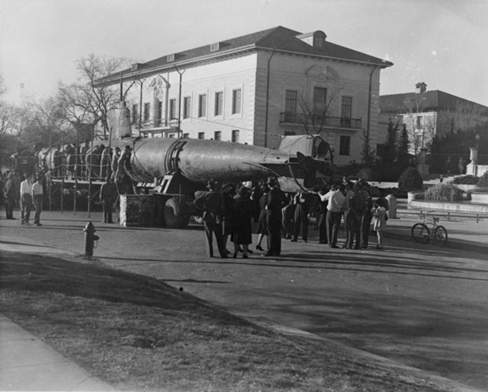 Click image for larger version.  Name:1.1. 2 2 4 34 5 HA-19 on display at the University of Texas while on a tour to sell war bonds.jpg Views:1 Size:115.6 KB ID:3681645