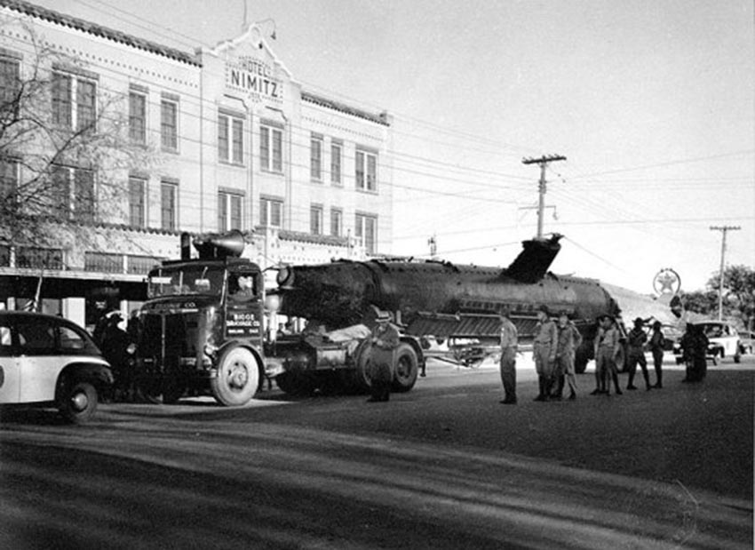 Click image for larger version.  Name:1.1. 2 2 4 34 5 HA-19 on display in Fredericksburg, Texas during World War II.jpg Views:1 Size:97.5 KB ID:3681647