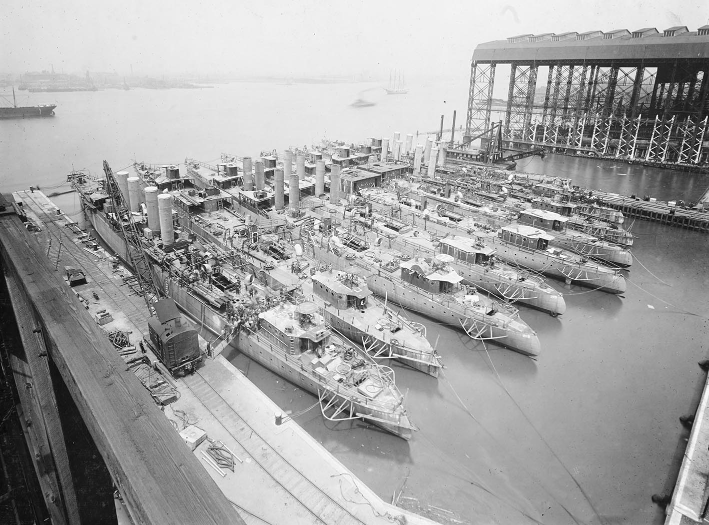 Click image for larger version.  Name:1.1. 2 4 3 View of the New York Shipbuilding Corporation shipyard, Camden.jpg Views:1 Size:259.0 KB ID:3682335