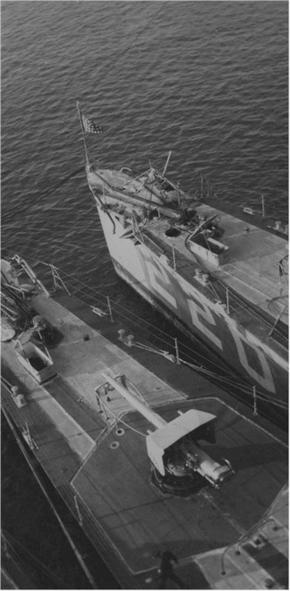 Click image for larger version.  Name:1.1. 2 6 1 Clemson Class Destroyer, 4in-50 (10.2 cm) and USS MacLeish (DD-220).jpg Views:1 Size:67.5 KB ID:3682359