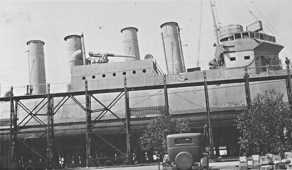 Click image for larger version.  Name:1.1. 2 6 3 Clemson Class Destroyer, Mid-Ship, Bridge, Funnel, Gun.jpg Views:1 Size:116.8 KB ID:3682363