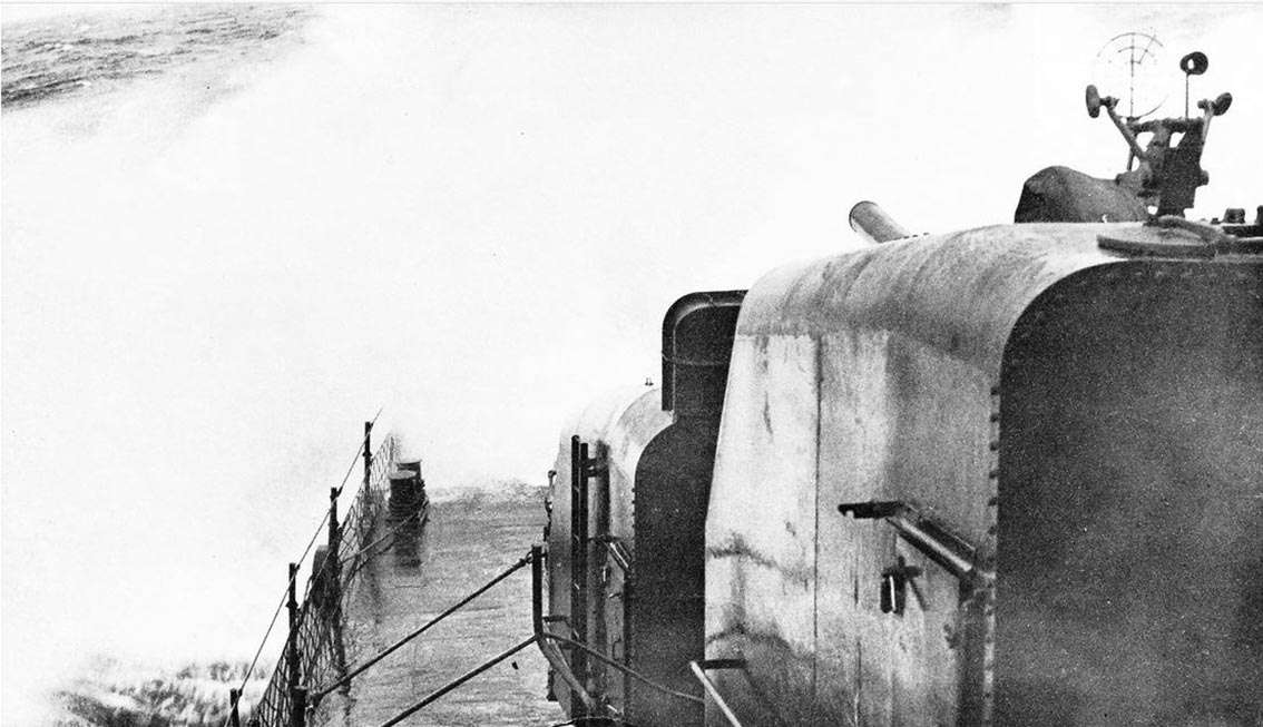 Click image for larger version.  Name:1.1. 3 0 4 5 3 The Caine Mutiny Typhonn Cobra a huge swell hits USS Dyson DD-572 1.JPG Views:2 Size:129.7 KB ID:3682937