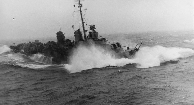 Click image for larger version.  Name:1.1. 3 0 4 5 3 The Caine Mutiny USS Maddox during the Storm 1a.jpg Views:2 Size:46.9 KB ID:3682939