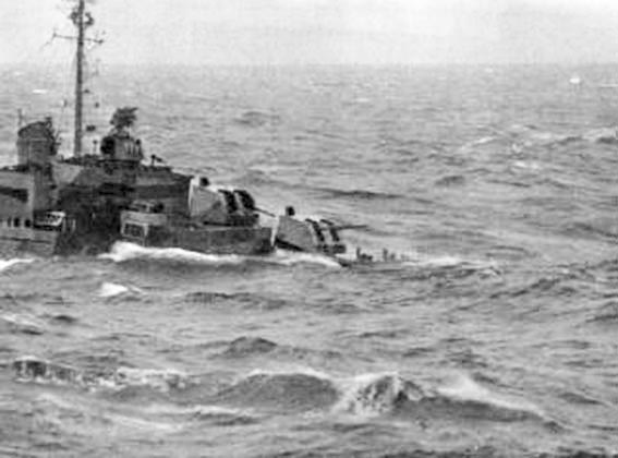 Click image for larger version.  Name:1.1. 3 0 4 5 3 The Caine Mutiny USS Maddox during the Storm 2.jpg Views:21 Size:48.6 KB ID:3682941