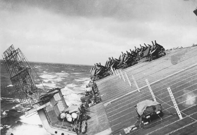 Click image for larger version.  Name:1.1. 3 0 4 5 4 The Caine Mutiny USS Cowpens (CVL-25) during Typhoon Cobra flight deck.jpg Views:2 Size:49.4 KB ID:3682943