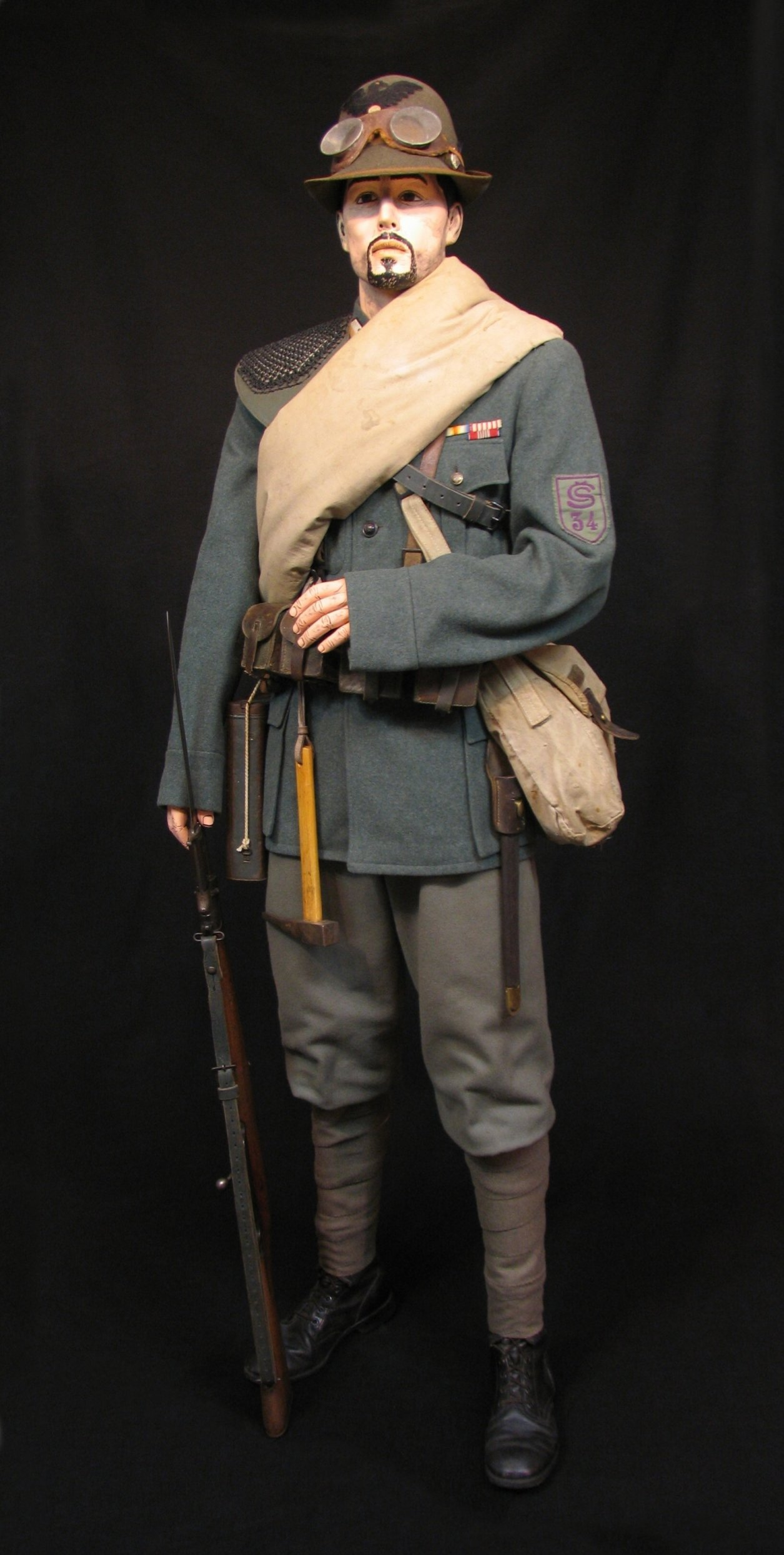 1-Italian Czech Legion Assist MG c 1918 R.jpg
