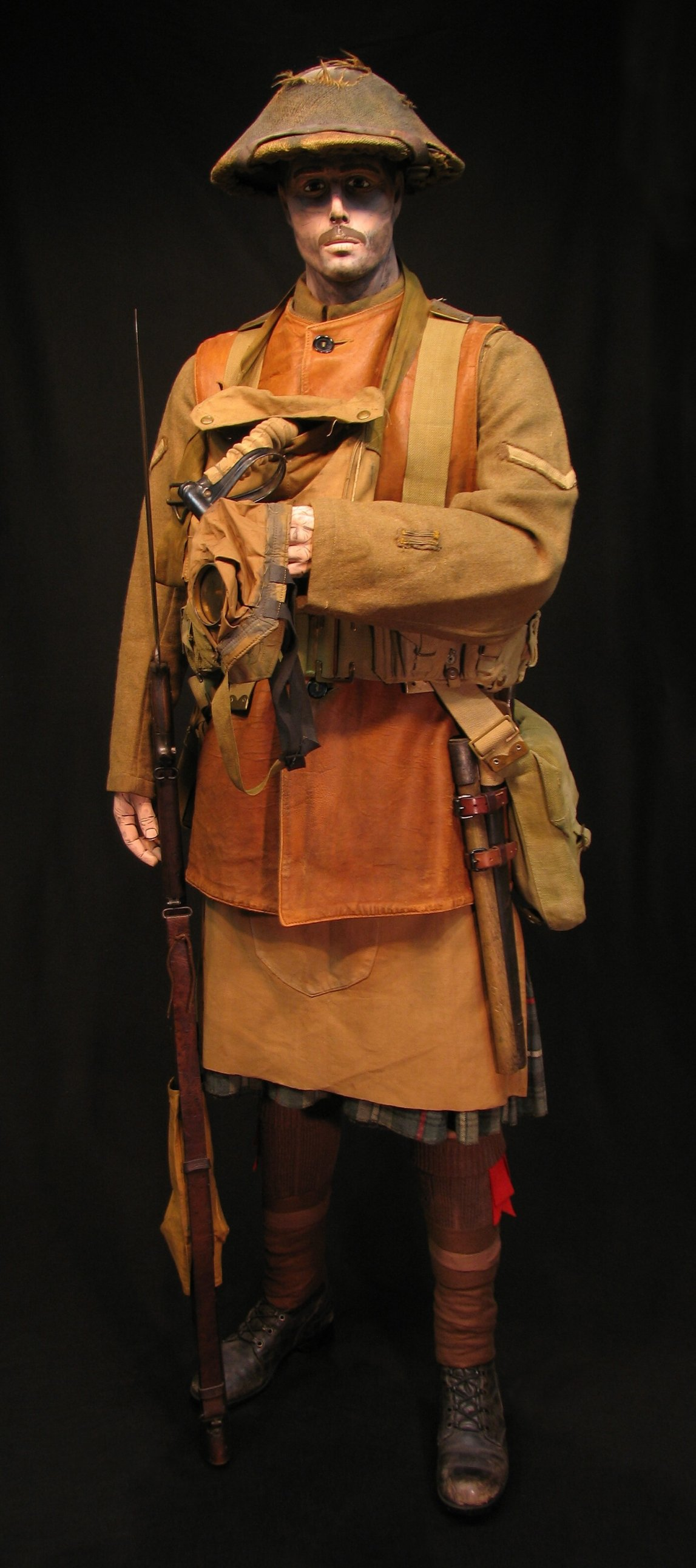 Click image for larger version.  Name:1-Seaforth Highland Infantry circa 1916-18 01R.jpg Views:18 Size:303.8 KB ID:770195