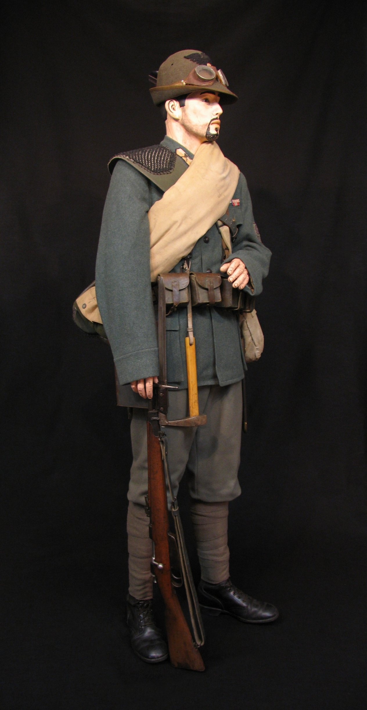 11-Italian Czech Legion Assist MG c 1918 R.jpg