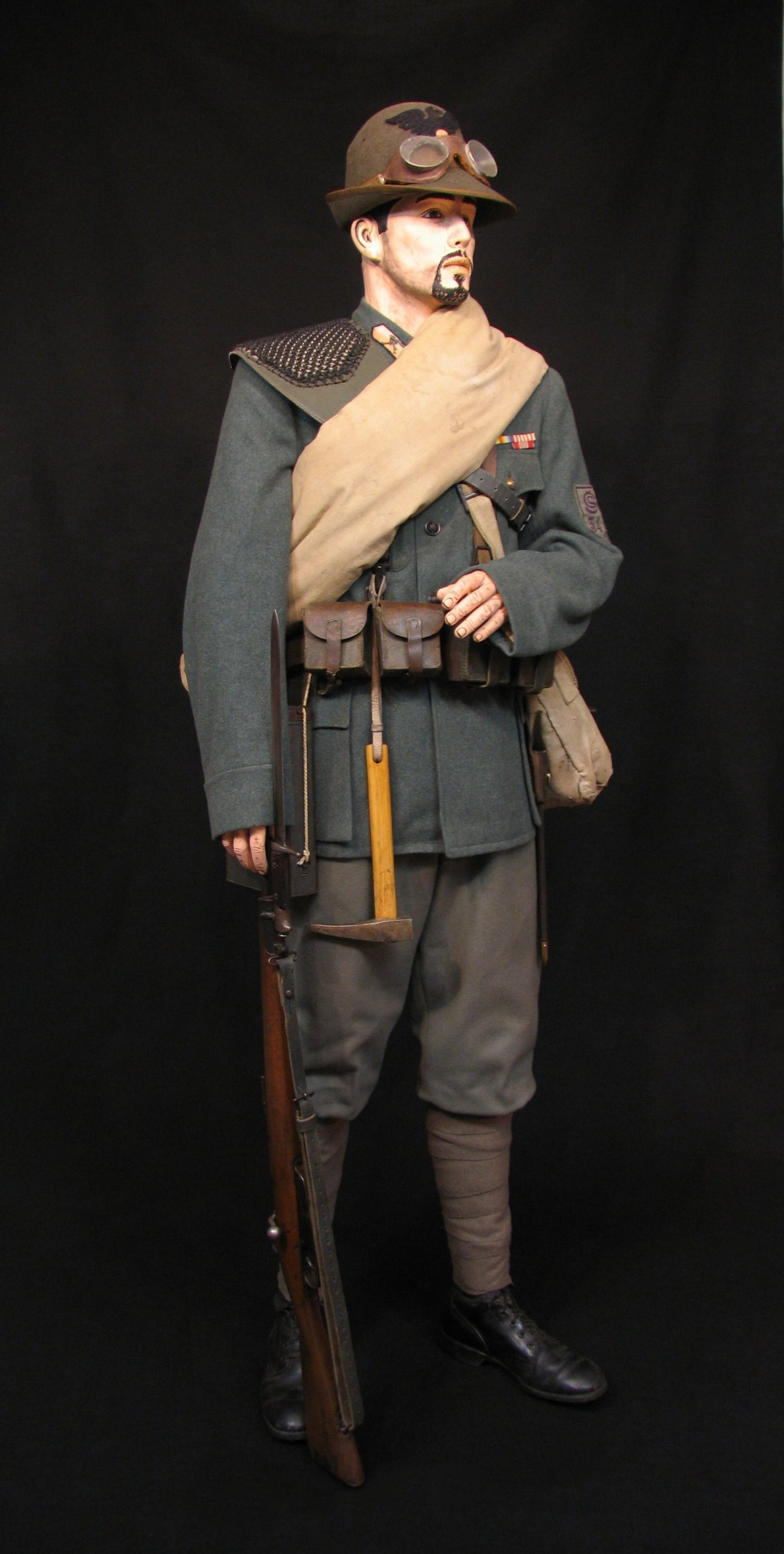 12-Italian Czech Legion Assist MG c 1918 R.jpg