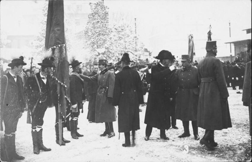 Click image for larger version.  Name:2. 1 3 1 visit of Emperor Karls I. in Bozen, Standschützen of Kastelruth.jpg Views:1 Size:215.2 KB ID:3651221