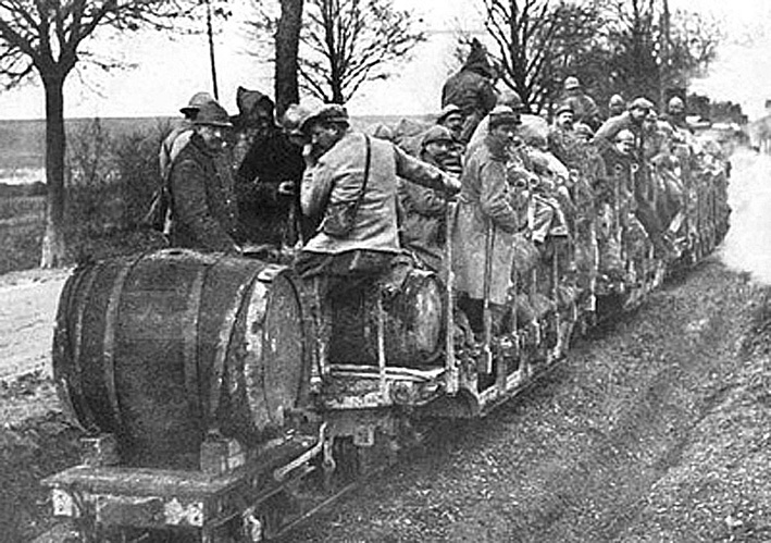 Click image for larger version.  Name:2.3.1. 3 1 9 PINARD 1 transport French Soldiers Hauling Wine During The Early Days Of WWI.jpg Views:1 Size:198.4 KB ID:3653515