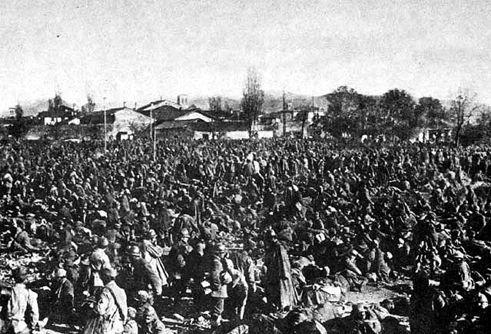 Click image for larger version.  Name:2.3.2. 14 Caporetto Italian prisoners 1 near Cividale.jpg Views:1 Size:280.6 KB ID:3655661