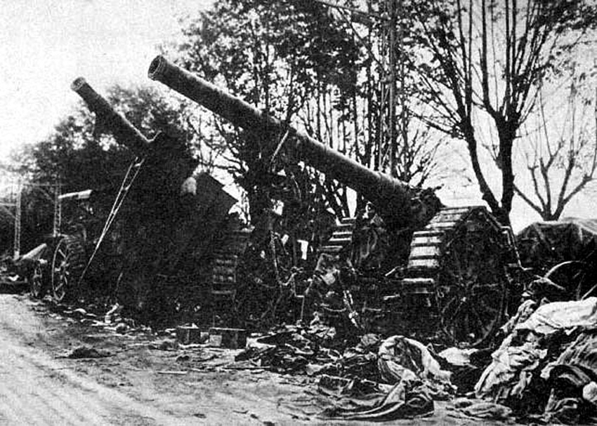 Click image for larger version.  Name:2.3.2. 15 Caporetto captured Italian cannons 1917.jpg Views:1 Size:242.3 KB ID:3655671
