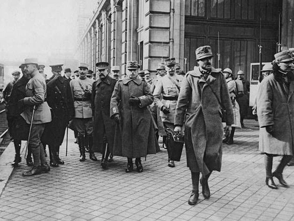 Click image for larger version.  Name:2.3.2. 2 General Luigi Cadorna 4 with General Joffre, Calais, March 1916.jpg Views:1 Size:150.9 KB ID:3654987