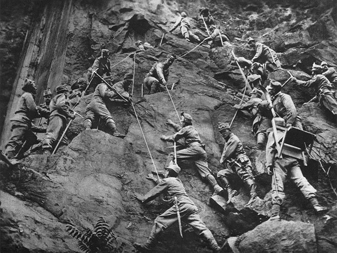 Click image for larger version.  Name:2.3.2. 3 3 Austrian troops climb a rock face in the Isonzo area, 1915.jpg Views:1 Size:358.4 KB ID:3654997