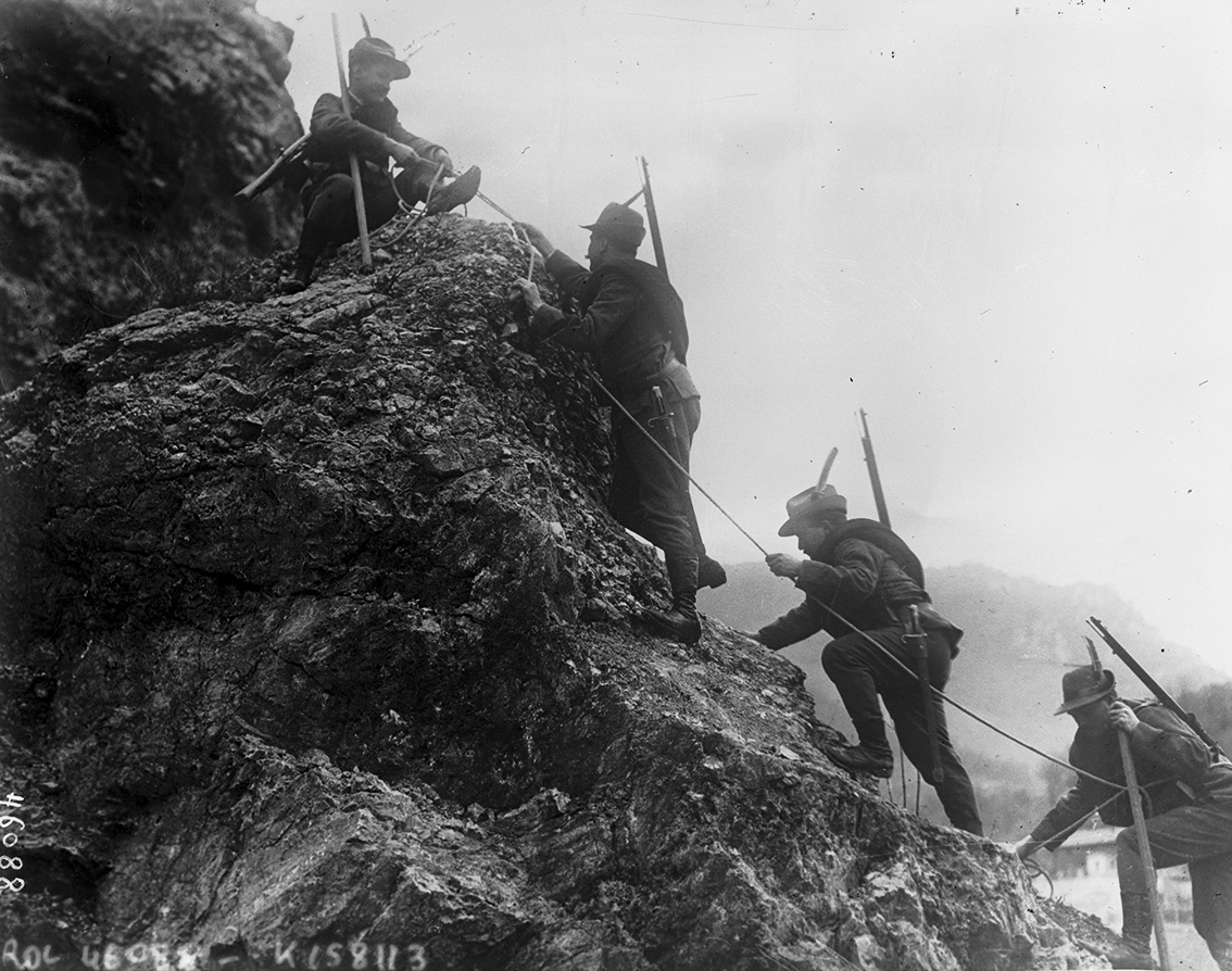 Click image for larger version.  Name:2.3.2. 3 5 Italian Alpini troops in the Isonzo area, 1915.jpg Views:1 Size:356.7 KB ID:3654999