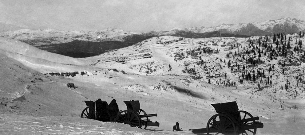 Click image for larger version.  Name:2.3.2. 31 23 First Piave Battle Italian cannons abandoned on the Melette in the winter of 1917-1.jpg Views:1 Size:287.3 KB ID:3656823