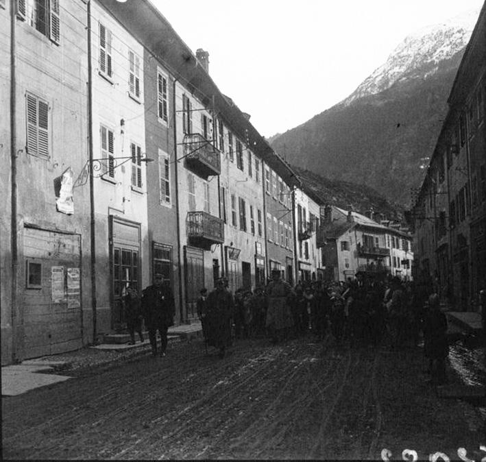 Click image for larger version.  Name:2.3.2. 6 Joffre and de Castelnau await General Cadorna.jpg Views:1 Size:175.6 KB ID:3655007