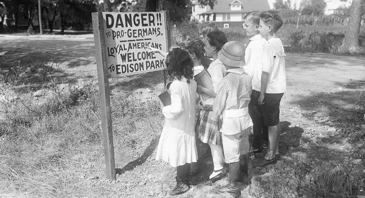 Click image for larger version.  Name:2.4.3. 13 1 anti german sign in Chicago, Illinois, in 1917.jpg Views:1 Size:192.8 KB ID:3668005