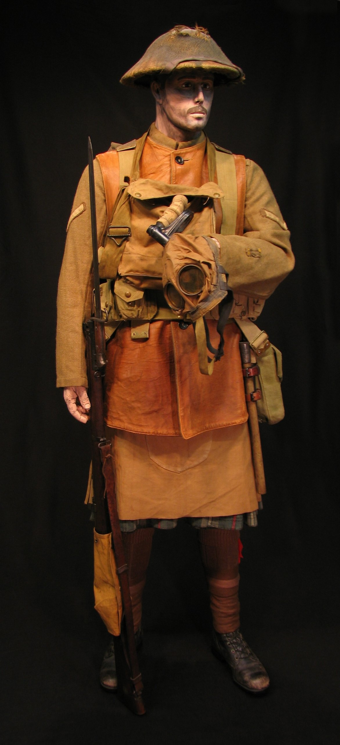 Click image for larger version.  Name:2-Seaforth Highland Infantry circa 1916-18 02R.jpg Views:15 Size:303.7 KB ID:770196