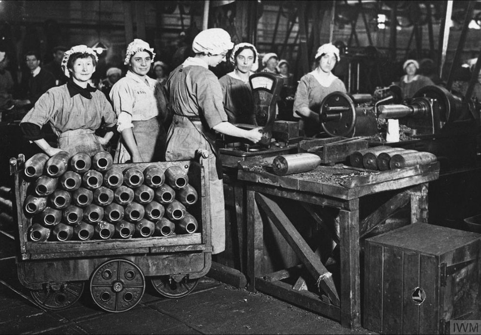 Click image for larger version.  Name:3. 1 3 WW1 female munition workers 3 weighing 4.5 shells.jpg Views:1 Size:160.8 KB ID:3668367
