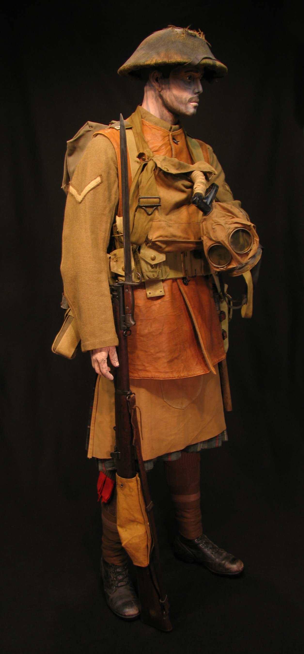 Click image for larger version.  Name:3-Seaforth Highland Infantry circa 1916-18 03R.jpg Views:5 Size:300.4 KB ID:770197