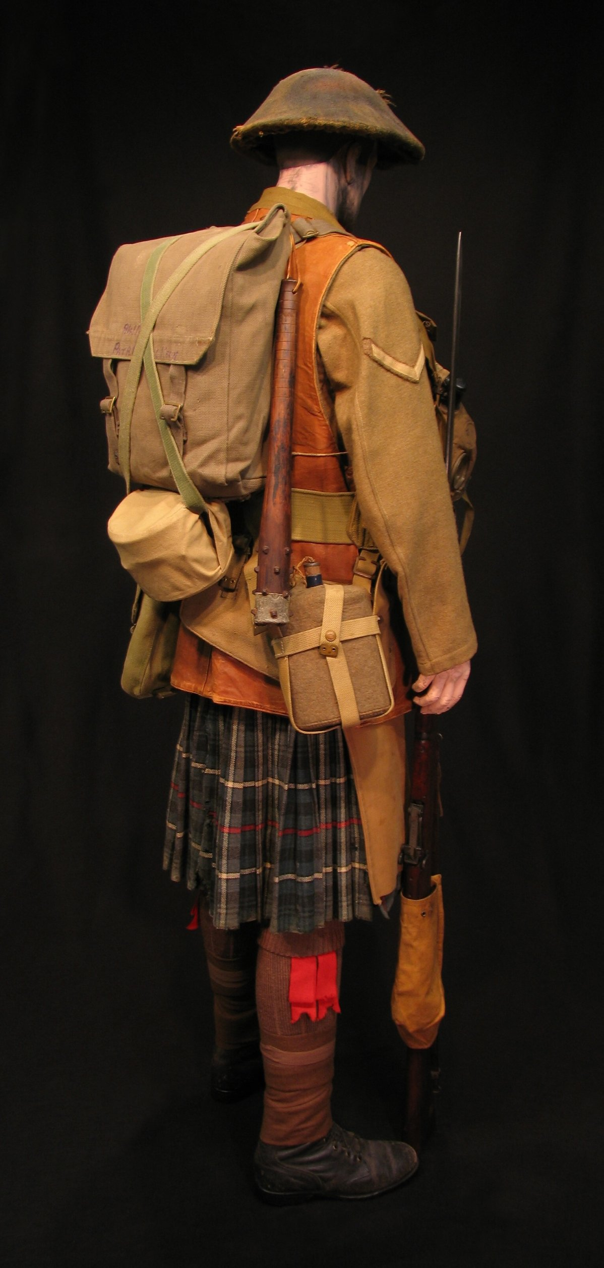 Click image for larger version.  Name:6-Seaforth Highland Infantry circa 1916-18 06R.jpg Views:3 Size:301.7 KB ID:770200