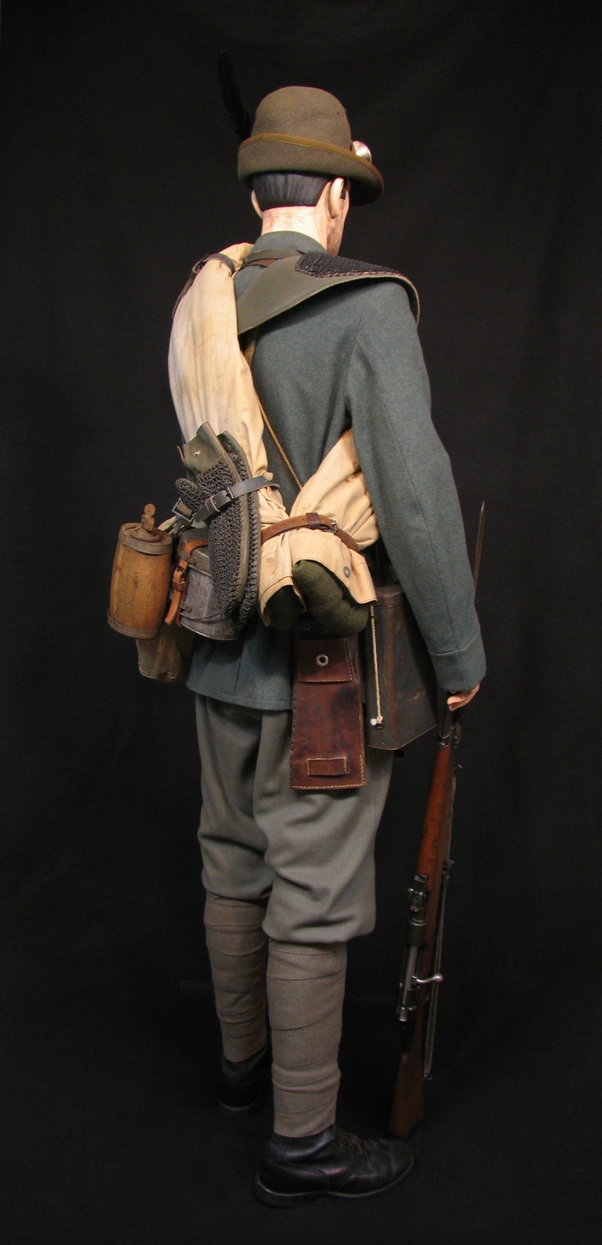 8-Italian Czech Legion Assist MG c 1918 R.jpg
