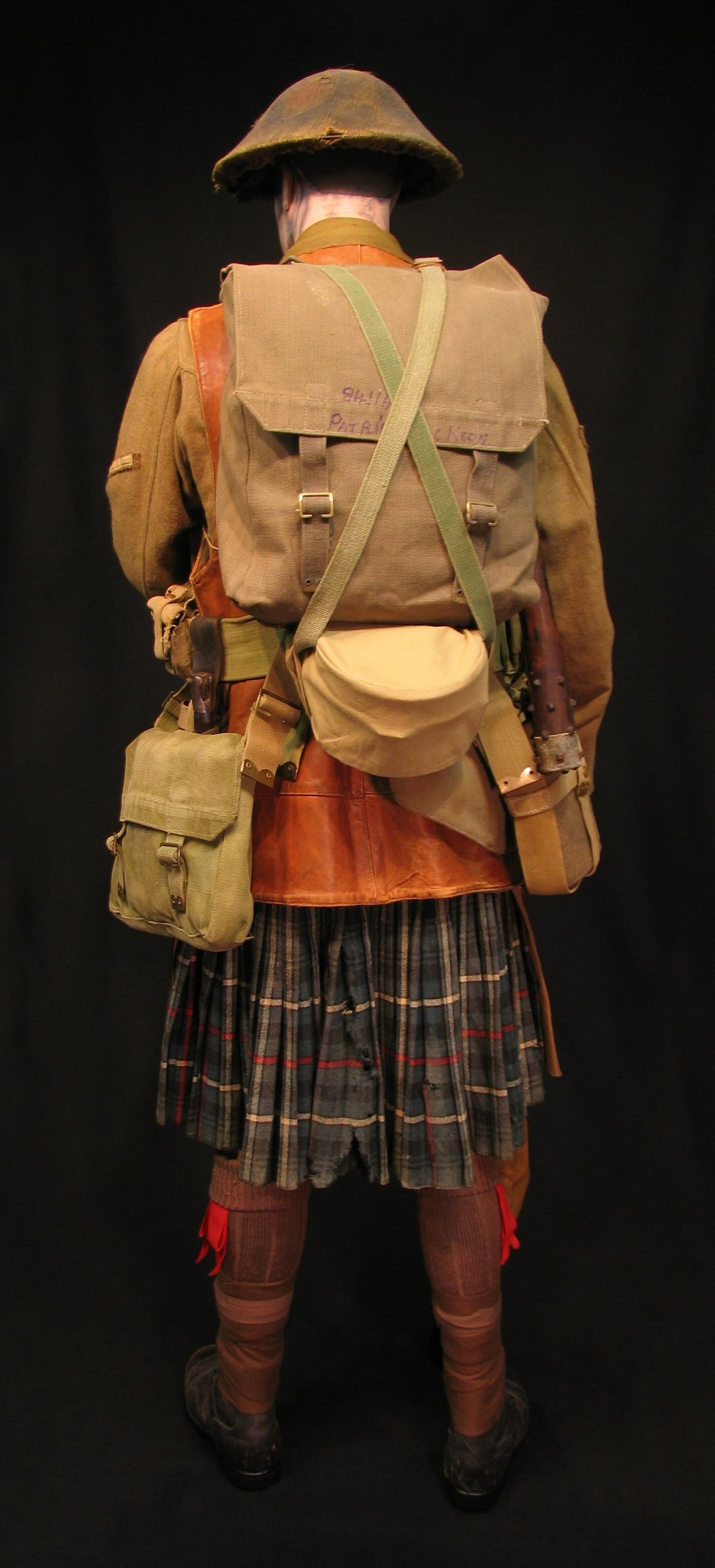 Click image for larger version.  Name:8-Seaforth Highland Infantry circa 1916-18 08R.jpg Views:3 Size:305.5 KB ID:770202