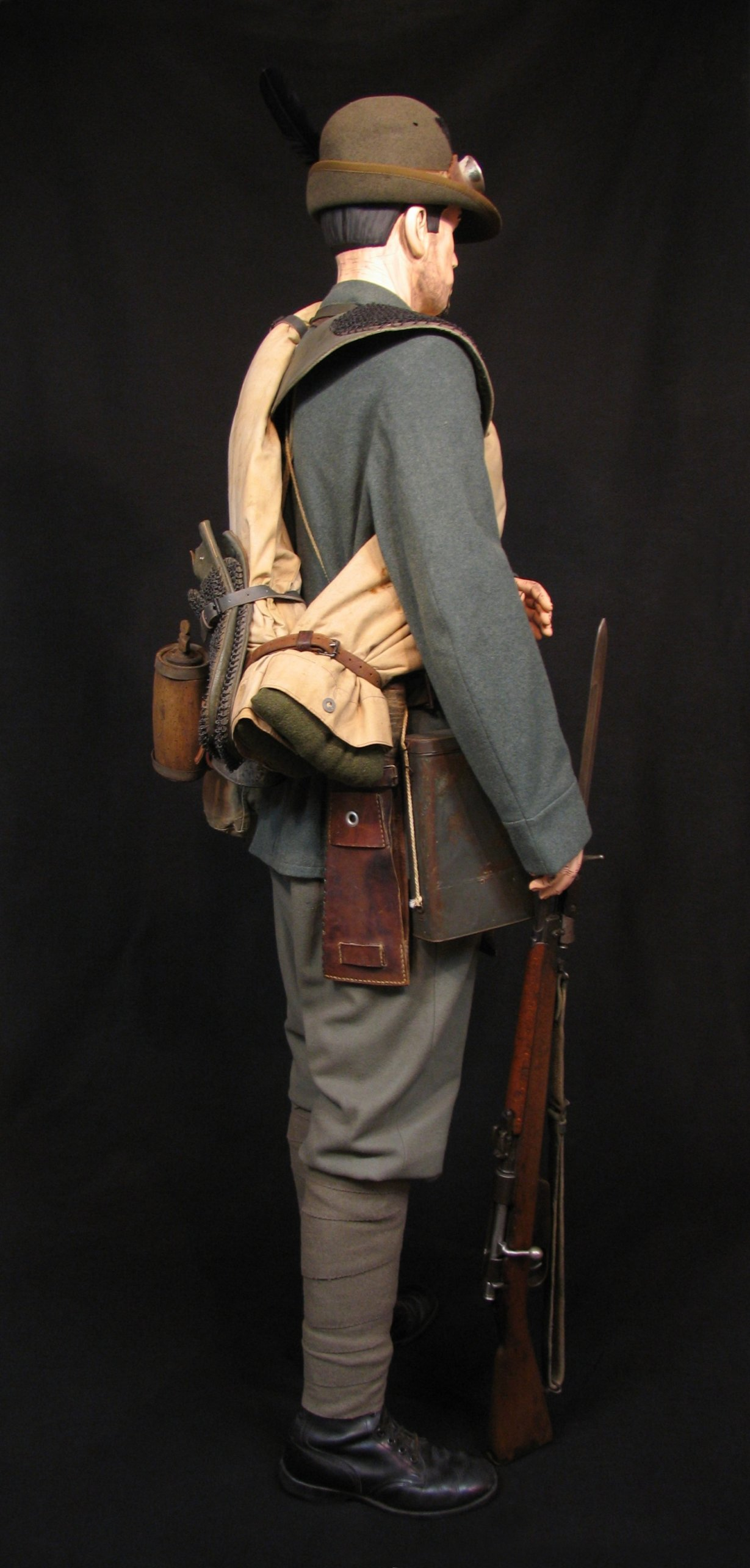 9-Italian Czech Legion Assist MG c 1918 R.jpg