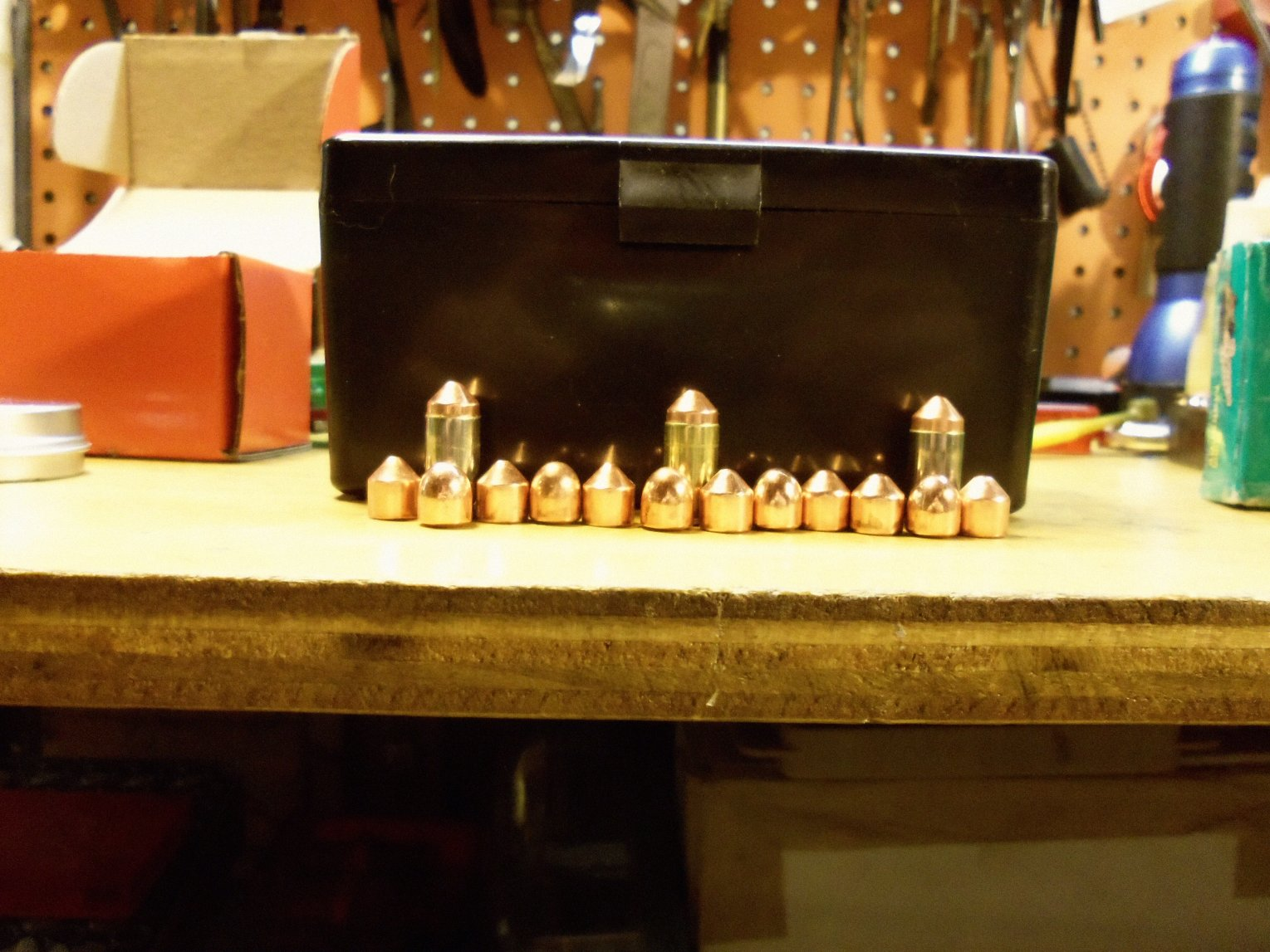 Click image for larger version.  Name:9mm Mak Bullets.jpg Views:13 Size:253.5 KB ID:930683