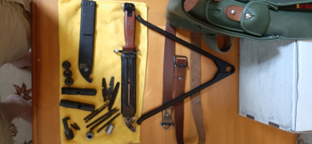 Click image for larger version.  Name:AK leather sling, Knife, Mag Pouch, Tantal bipod, cleaning kits.jpeg Views:15 Size:134.1 KB ID:3675343