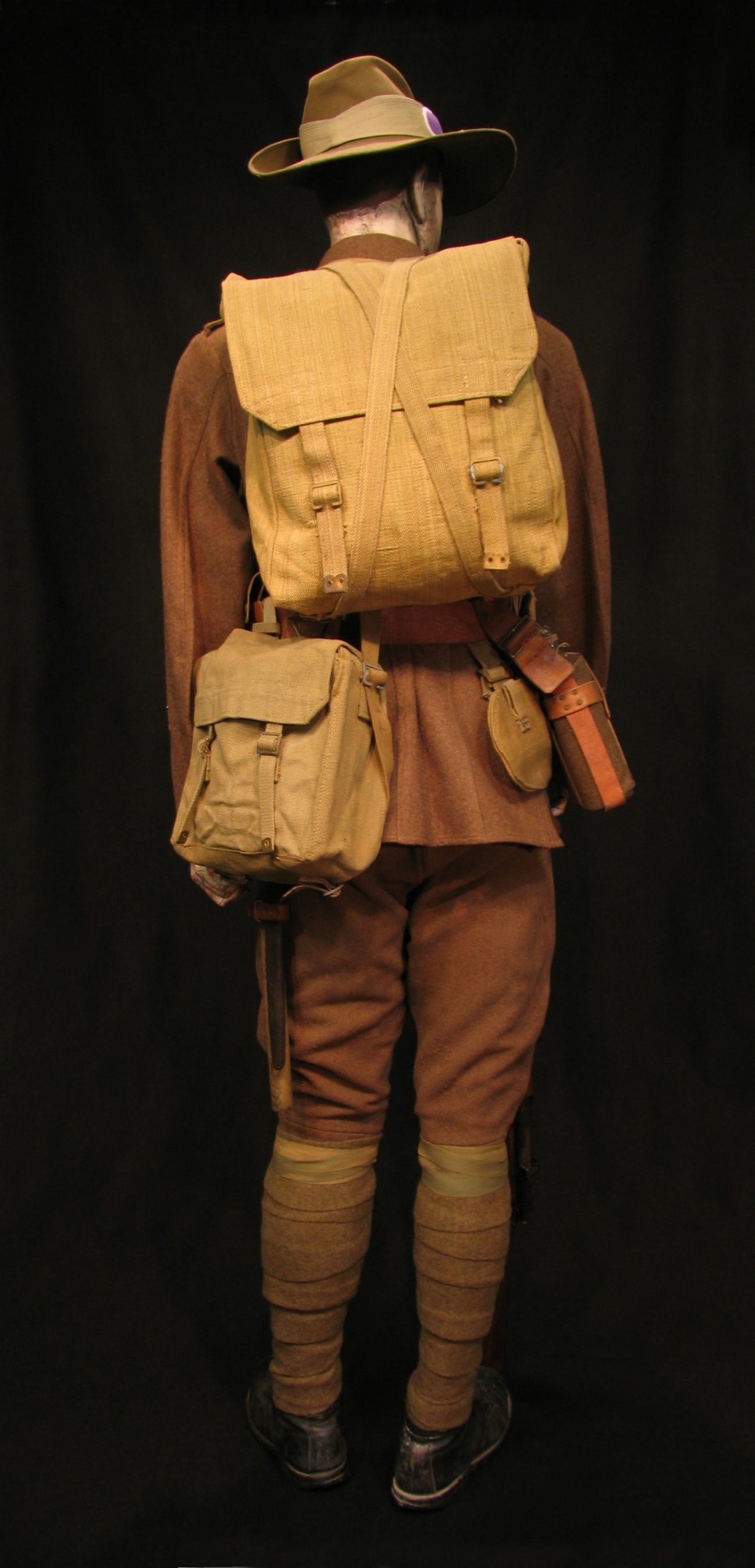 Click image for larger version.  Name:ANZAC circa 1915 Display 07R.jpg Views:4 Size:299.0 KB ID:766558