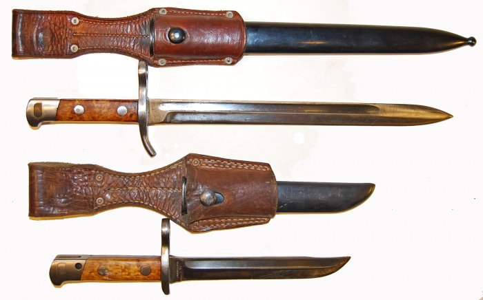 Click image for larger version.  Name:bayonet m35cg and 42 unsheated.jpg Views:18 Size:47.1 KB ID:625829