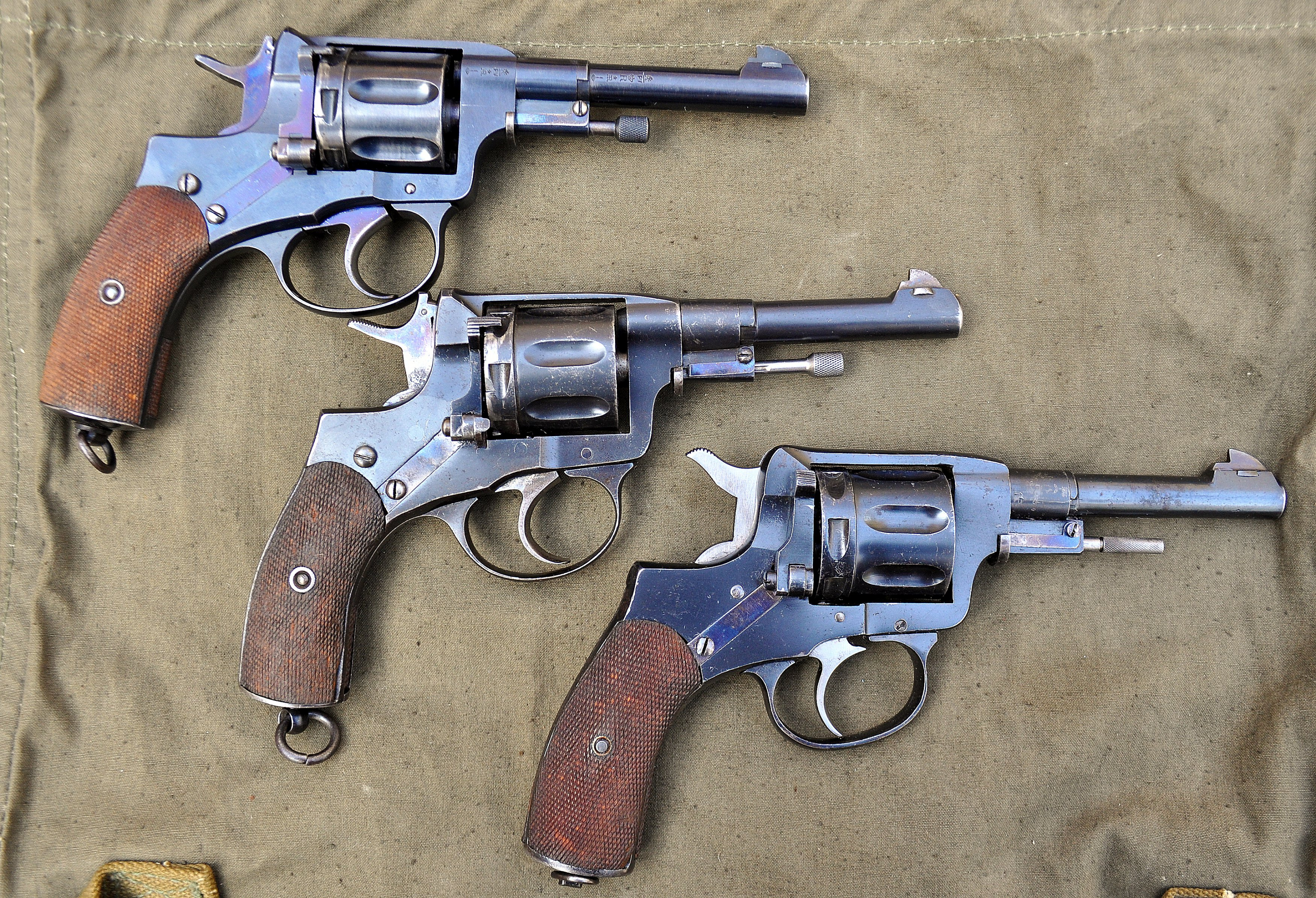 Spanish copies M1895 Nagant - need help to ID markings