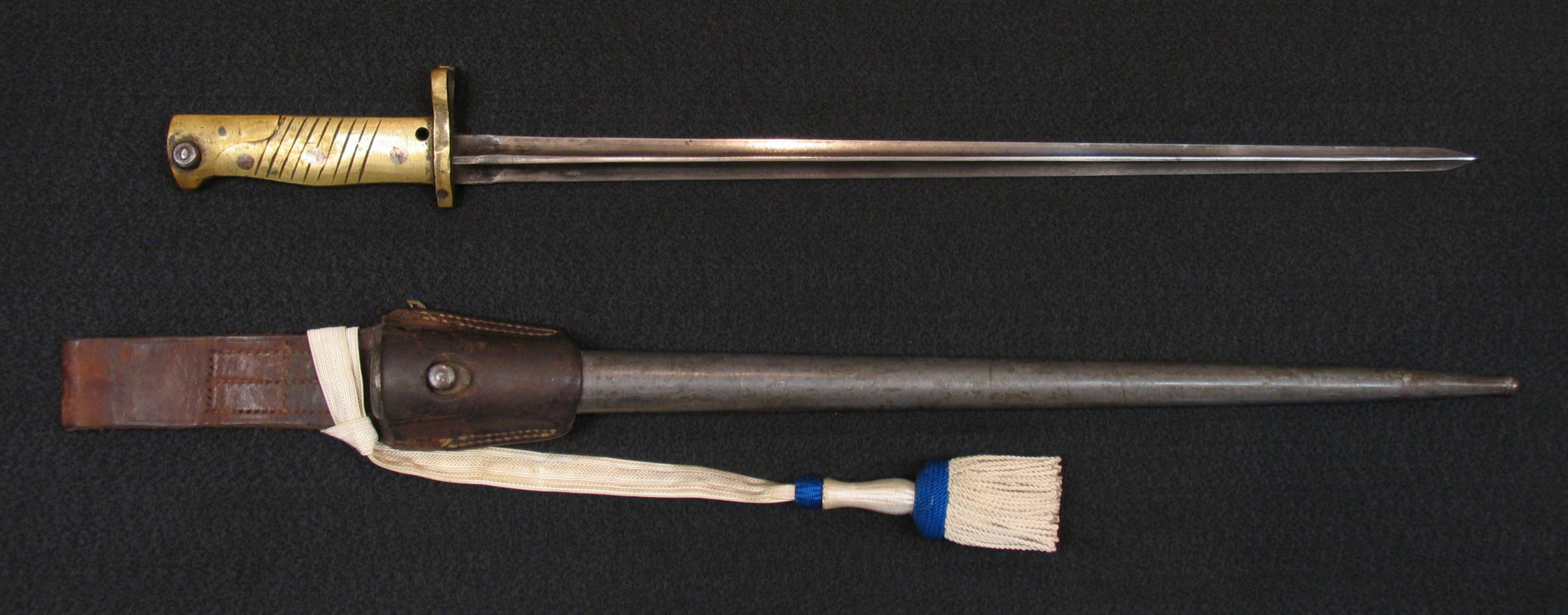 Click image for larger version.  Name:German Ersatz S88-98 w Brass Grip Socket Blade.jpg Views:6 Size:319.9 KB ID:2240498