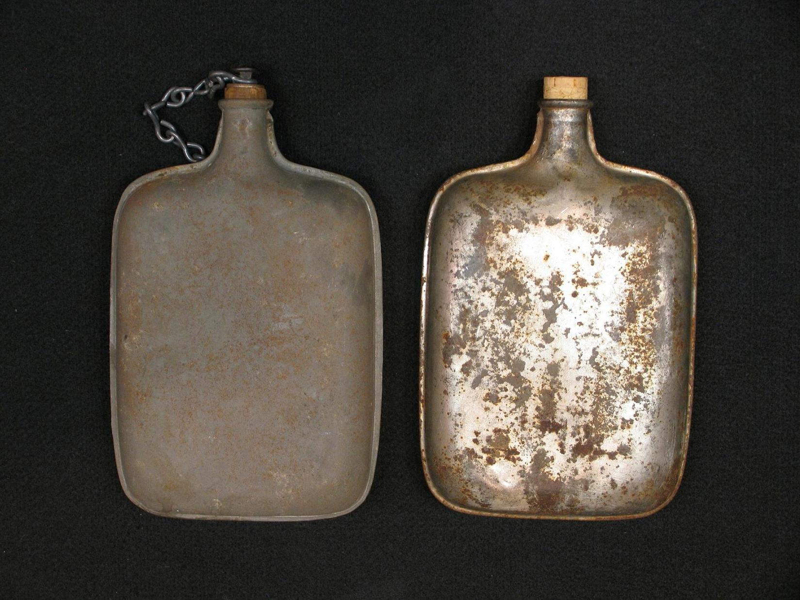 Click image for larger version.  Name:Italian Model 1907 Water Bottles R3.JPG Views:15 Size:296.4 KB ID:477927