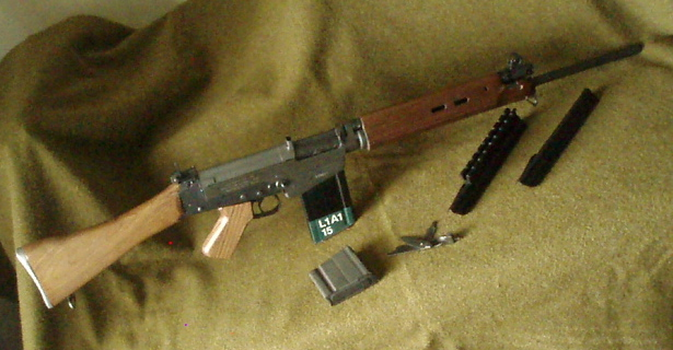 Click image for larger version.  Name:L1A1 awaiting carry handle..jpg Views:14 Size:125.8 KB ID:463220