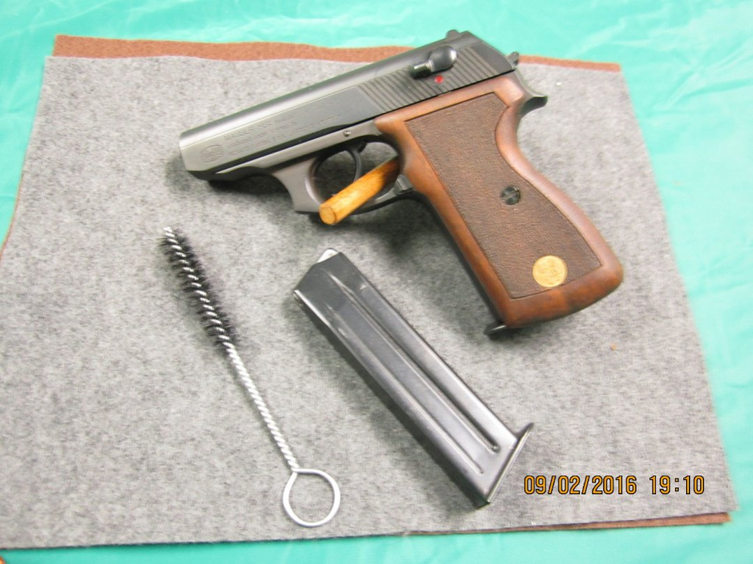 Click image for larger version.  Name:Mauser left side w mags resize.jpg Views:8 Size:149.7 KB ID:1800914