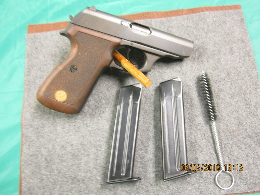 Click image for larger version.  Name:Mauser right side w mags resize 1.jpg Views:10 Size:150.7 KB ID:1800930