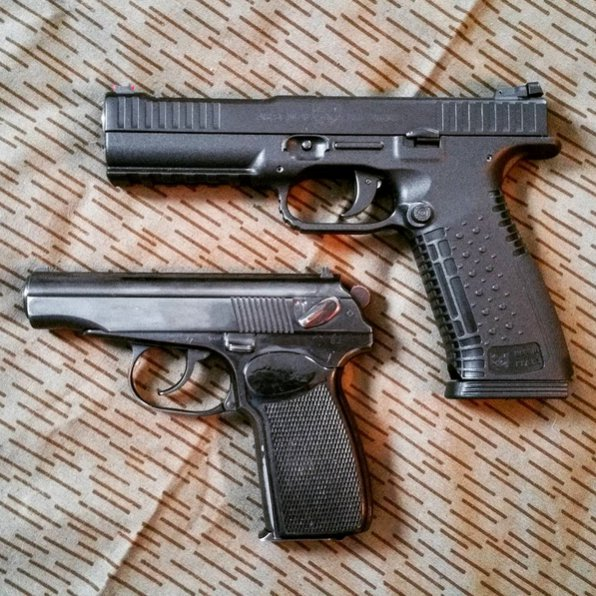 Click image for larger version.  Name:Pistols.jpg Views:25 Size:107.8 KB ID:1668273