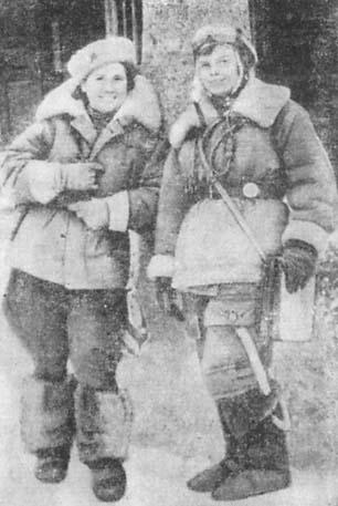Click image for larger version.  Name:test 131 70 00 588 Galina Lomanova (left)  Navigator Ljudmila Popova.jpg Views:3 Size:28.3 KB ID:383748